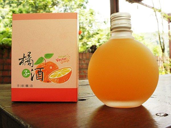 石圍牆橘子酒