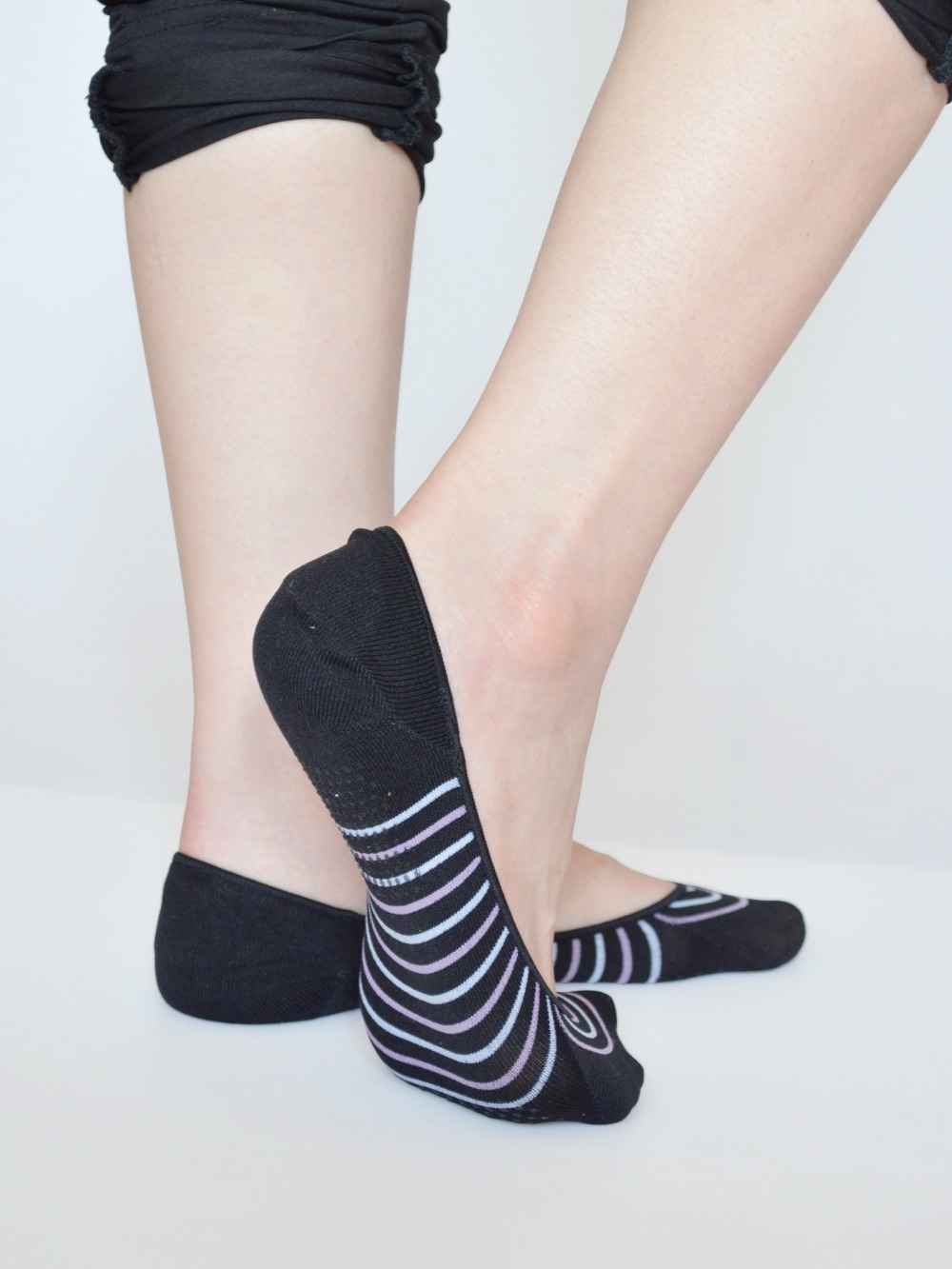 貝柔吸濕速乾足底止滑襪套-氣質條紋