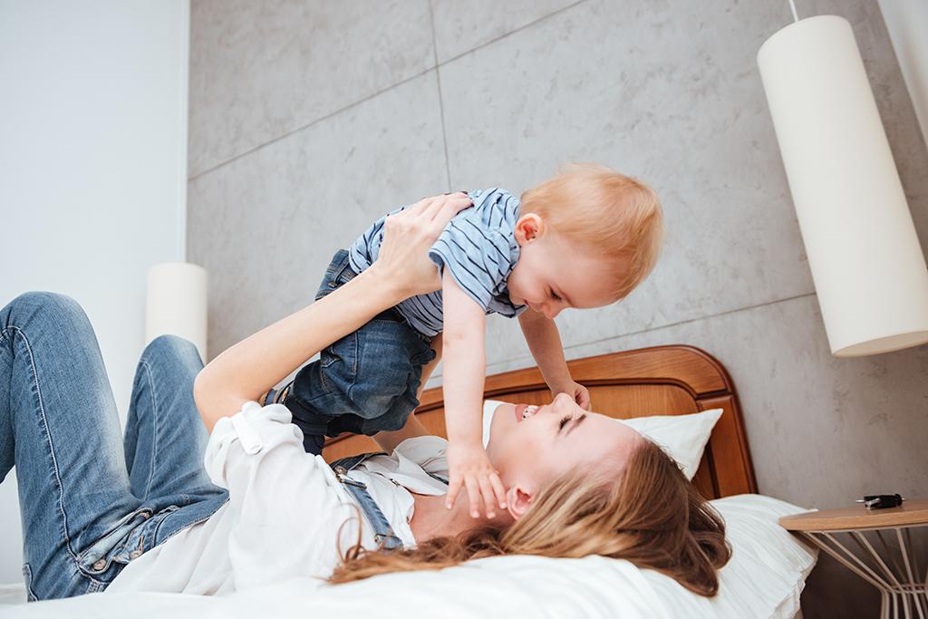 與寶寶玩瑜珈享受甜蜜親子關係