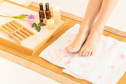 腳底板脫皮不見得是香港腳?預防關鍵在於「生活習慣」