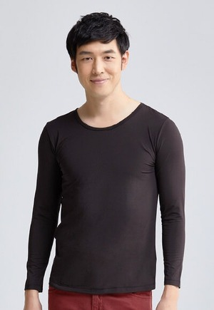 MIT溫灸刷毛圓領發熱衣(經典黑 男S-3XL)