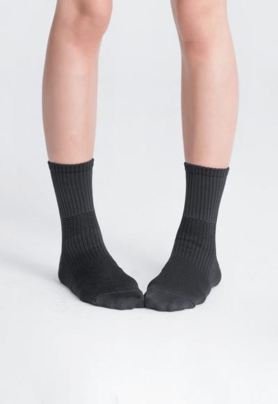 MIT發熱抑菌按摩中筒襪(經典黑 女M-L)