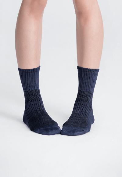 MIT發熱抑菌按摩中筒襪(湛海藍 女M-L)