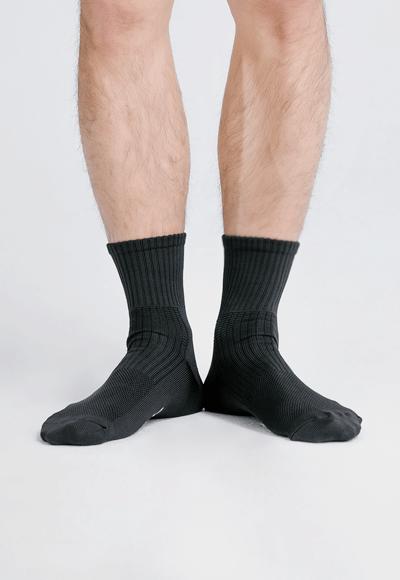 MIT發熱抑菌按摩中筒襪(經典黑 男M-L)