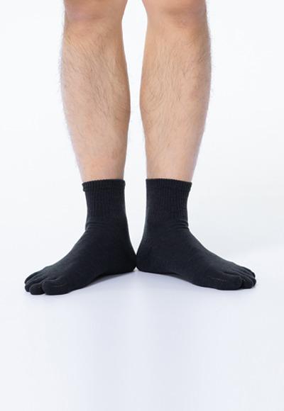 透氣五趾抑菌中筒除臭襪(經典黑 男M-L)