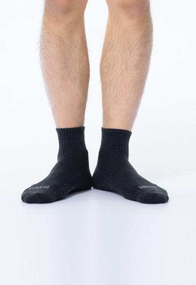 舒適休閒抑菌中筒除臭襪(經典黑 男M-L)