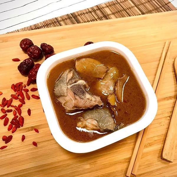 經典麻油雞燉湯