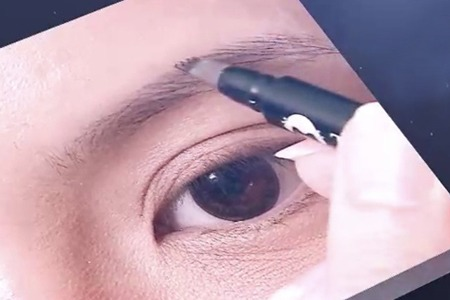 如何挑選適合自己的眉筆?