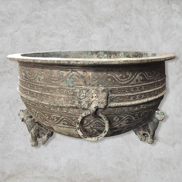 仿古銅胎鎏銀三獸足鼎