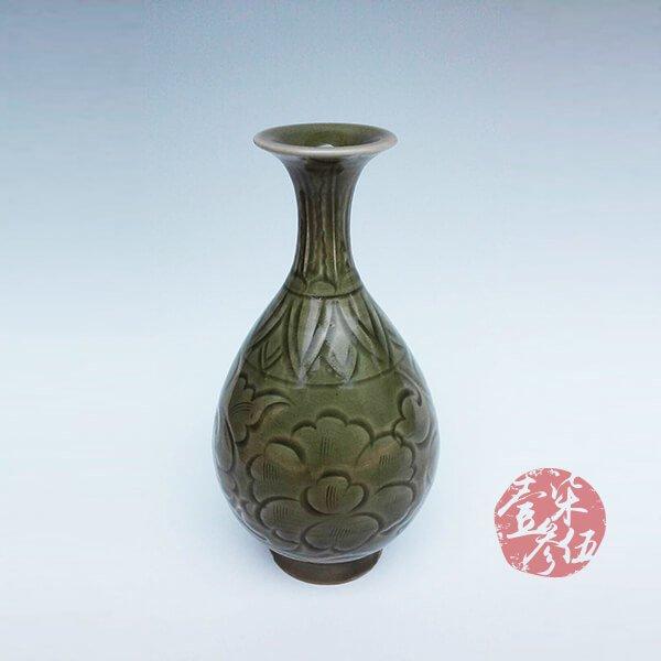 北宋 耀州窯牡丹纏枝紋玉壷春